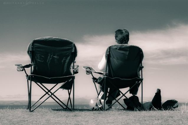 seaside picnic scene.